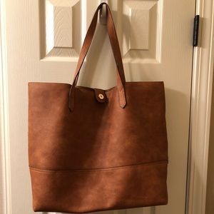 Handbags - Faux leather bag brand new with small pouch